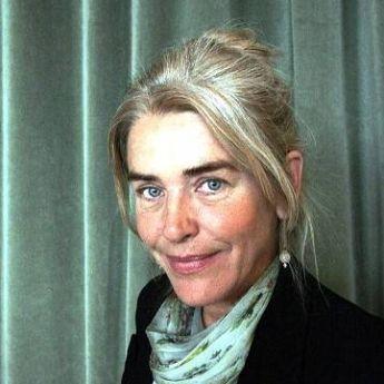 Ева Фрёлинг